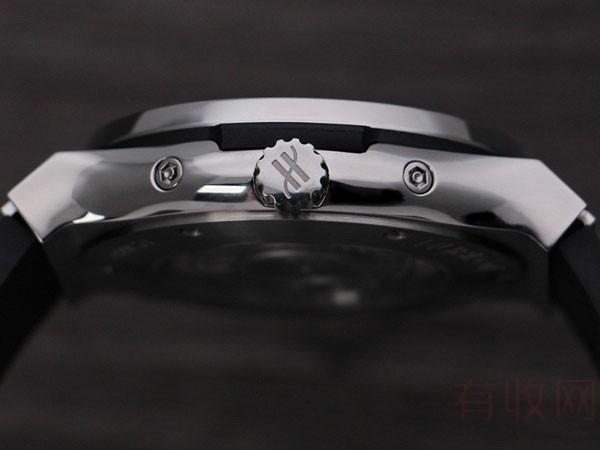 45mm表径宇舶经典融合系列如何选择二手手表回收网站