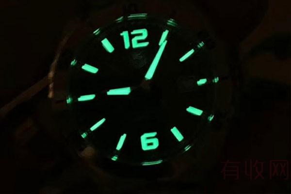 无附件的普通泰格豪雅F1系列不锈钢手表回收多少钱一个
