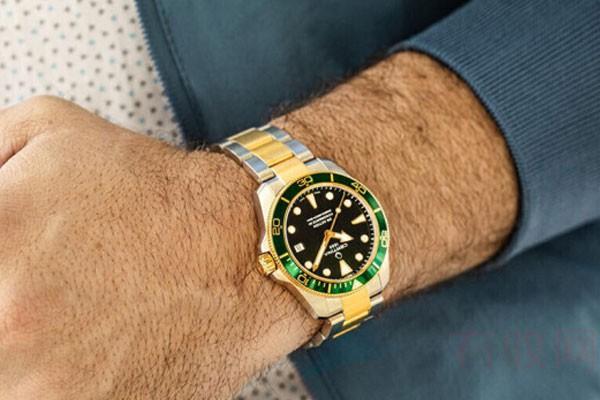 功能很正常的黄金手表回收值钱吗