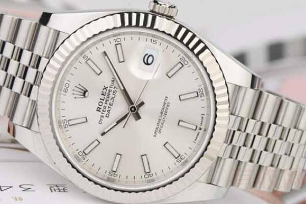 使用过一年的二手手表能够回收吗