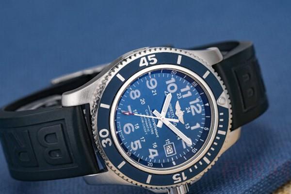 轻度损坏的百年灵手表能回收吗